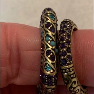 3 Heidi Daus rings size 7 and one is size 6.